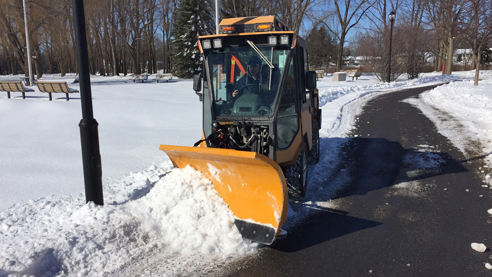 Plow Sidewalks Trails (IMAGE)